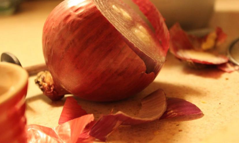 How Get Onion and Garlic Smell Off Your Hands